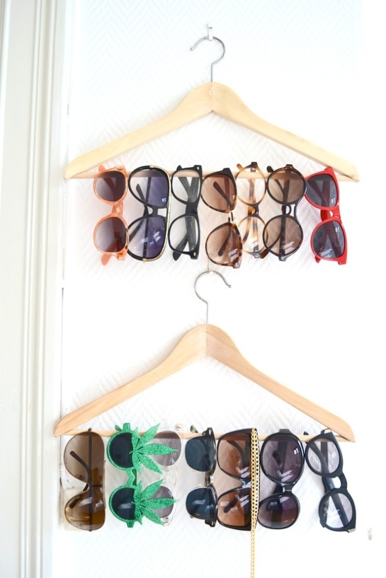 diy-sunglass-display