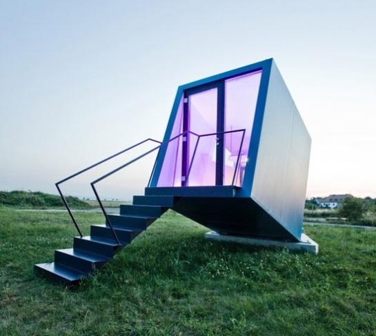 studio-wg3-hypercubus-mobile-hotel-room