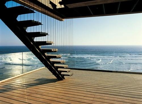 Buy a house on the ocean in Varazze